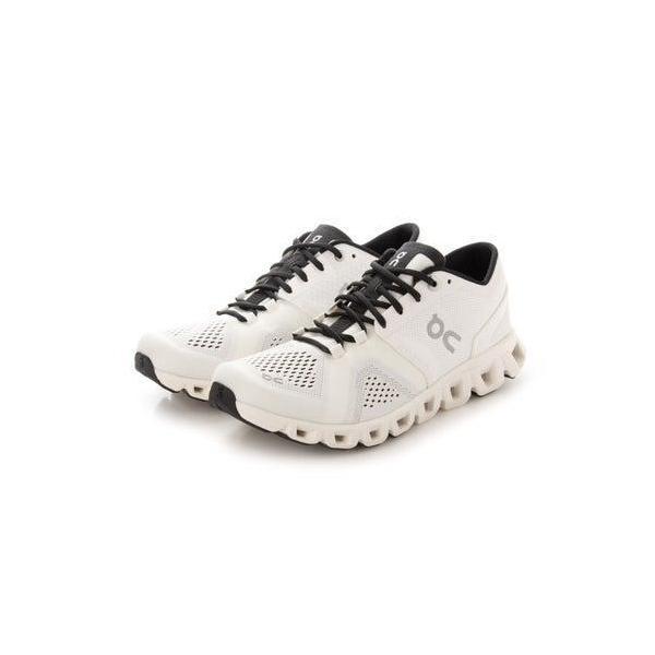 オン On レディース 陸上/ランニング ランニングシューズ Cloud X White | Black 40.99702 (ホワイト)