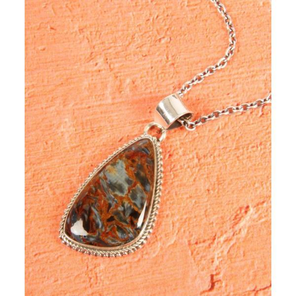【ワイスチャーム】【フランス天然石ペンダント】ピーターサイト変形型装飾ネックレス