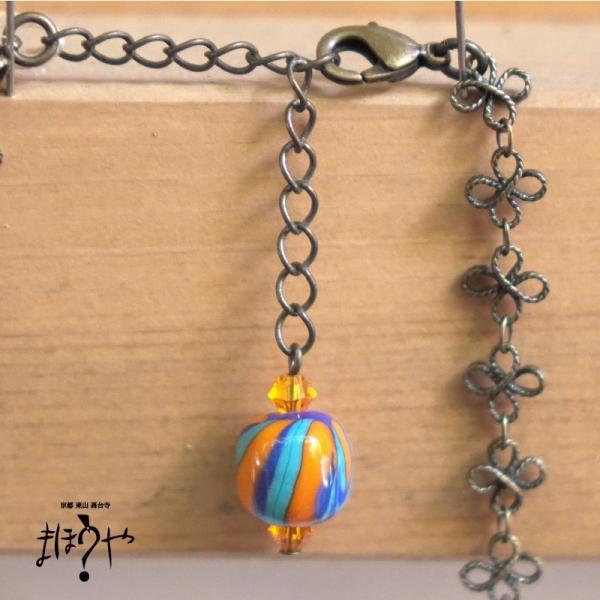 【世界で一つ手作りトンボ玉ネックレス】丸玉ネックレス オレンジ、青緑 立涌文 14-1002/1点もの[在庫あり]|mahouya|03
