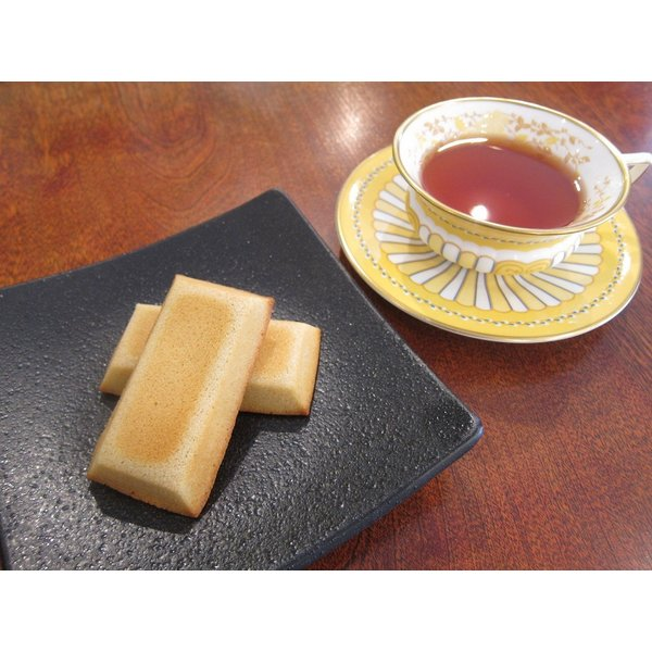 【フィナンシェ(1枚入り)】上質な発酵バターをぜいたくに使ったリッチな味わいのフィナンシェ、きび砂糖使用|mayfair-net