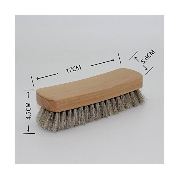 上質なソフト馬毛を使ったブラシです。革靴、レザージャケット、レザーバッグなど皮革製品全般に使え、皮を傷めません 17cmx5.4cmx5.6cm (