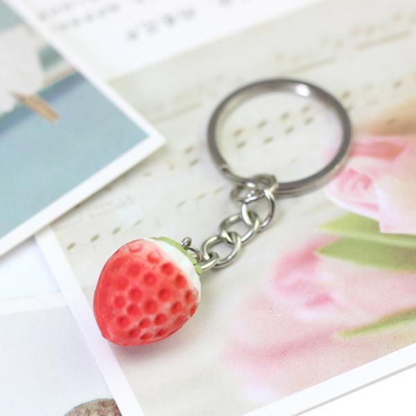 キーホルダー キーチャーム レディース キッズ 女性用 イチゴ 苺 いちご ファッション小物 おしゃれ かわいい ガーリー キュート バッグチャーム