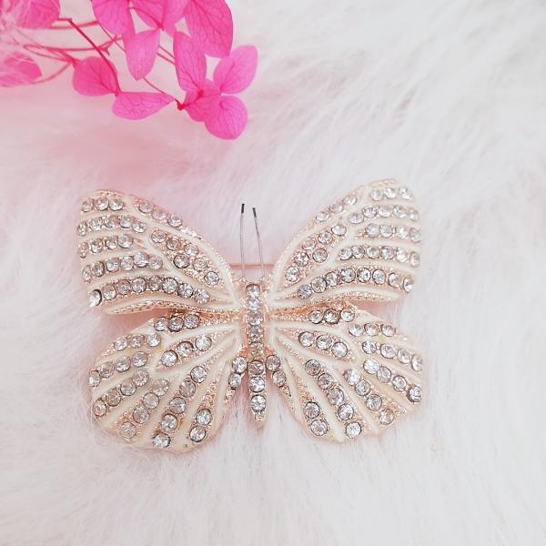開店セール823101、ブローチ、ピンクゴールド調czダイヤモンド蝶々モチーフ回転ピンブローチ安全ピンブローチ婉容淑やかたおやか