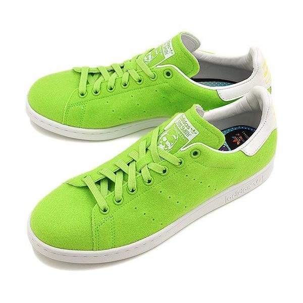 adidas グリーン スニーカー