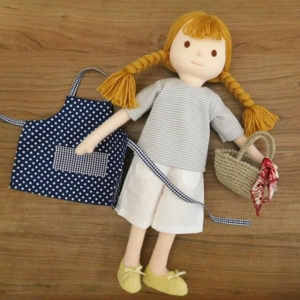 手作り 布製 人形 女の子 布人形 ボーダーTシャツ エプロン マルシェバッグ 女の子 セット 34cmサイズ|mixjam-store
