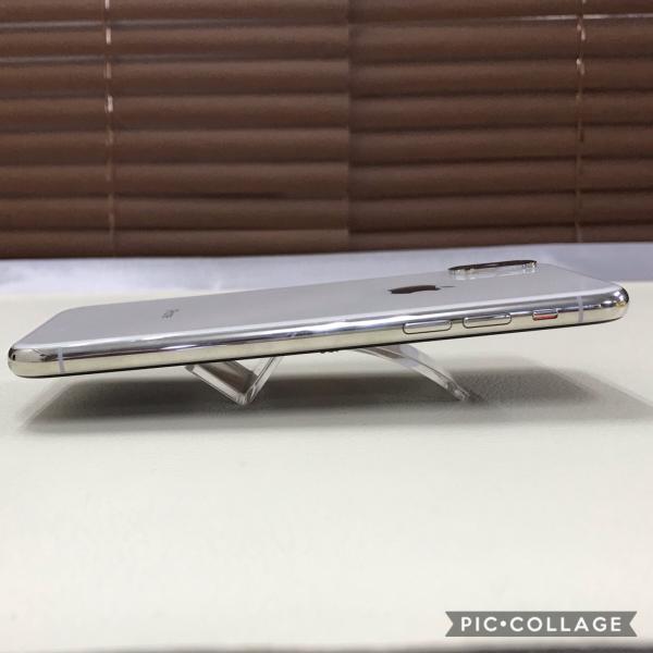 iPhone Xs 64GB 本体 SIMフリー 美品 海外版SIMフリー Silver シルバー MT9F2KH/A  白ロム 中古 mobaxfukuoka 04