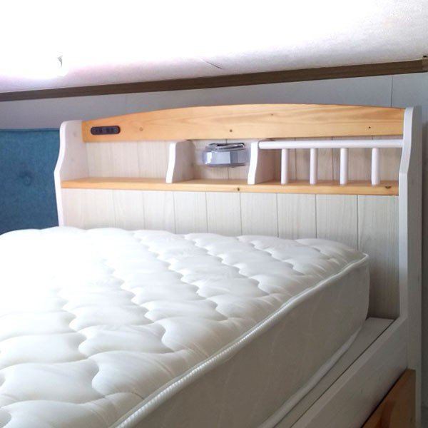 今なら送料無料、フレンチカントリー風のかわいいパイン材の宮付き、照明付き、コンセント付きシングルベッド フレンチ french お買い得品、激安、すのこベッド
