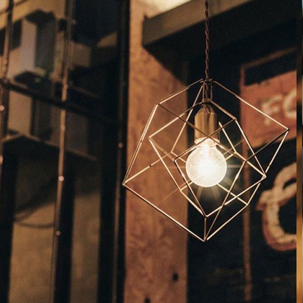 今なら送料無料。幾何学模様のオシャレなフレームセードのペンダントライト 天井照明 1灯 LED対応 INTERFORM インターフォルム BleisS ブレイズS LT-1087 SQ スクエア IC イコサヘドロン LT-1088