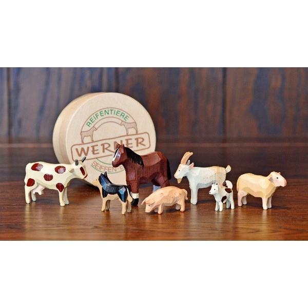 ドイツ木工芸品 仲良しな動物達 7種類 わっぱ入り 馬 牛 ヤギ 羊 ブタ 犬|motomachi-takenaka