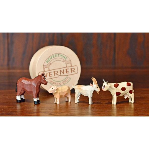 ドイツ木工芸品 仲良しな動物達 7種類 わっぱ入り 馬 牛 ヤギ 羊 ブタ 犬|motomachi-takenaka|02
