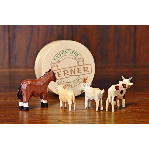 ドイツ木工芸品 仲良しな動物達 7種類 わっぱ入り 馬 牛 ヤギ 羊 ブタ 犬|motomachi-takenaka|03