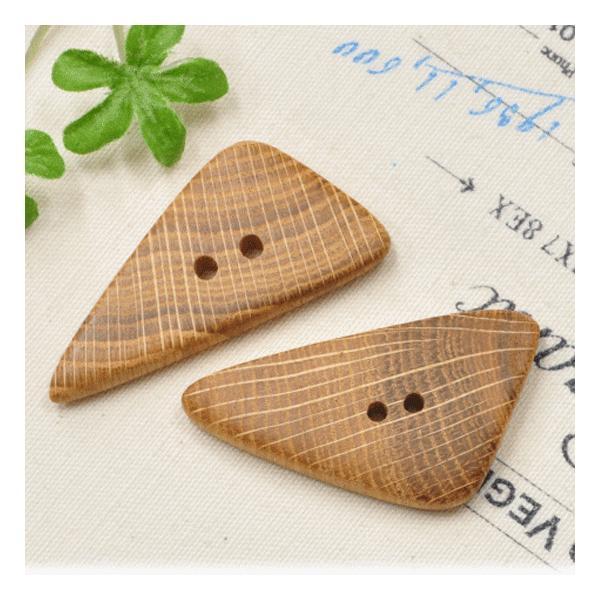 北欧から ウッドボタン オークの木のボタン2個 《 ハンドメイド 手芸 手作り 天然木 ニット 帽子 コート 釦 バッグ 》