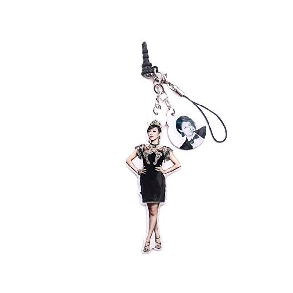 ■KARA(ニコル)マーク&本人スタイル!身近に感じるからうれしいイヤフォンジャック&ストラップ!|nescyu