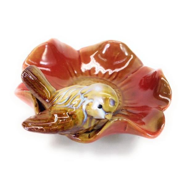 小物入れ 小物トレイ お花型の器 一羽の小鳥 陶器製 (レッド)