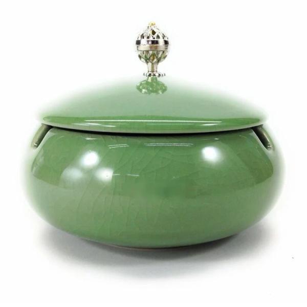 灰皿 純和風 和モダン 美しい取っ手の蓋付き 陶器製 (ライトグリーン)