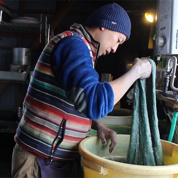 【Ainomi】本建正藍染職人がオーガニックコットンを藍で染め、手芸職人が手編み施した子供用ニット帽子|niimo|12