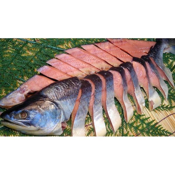 北海道産 (御歳暮 お中元 ギフト)   新巻鮭1本(姿切り身) 2.5kg+前後/1尾 (6)