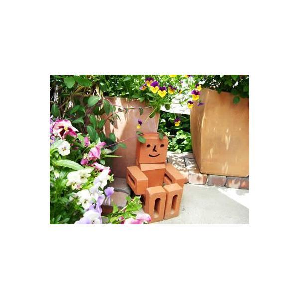 レンガ 庭 デザイン いつも笑顔の「れんがマン」別売りボンドが必要です。(レンガのマスコット)|o-tamatebako|05