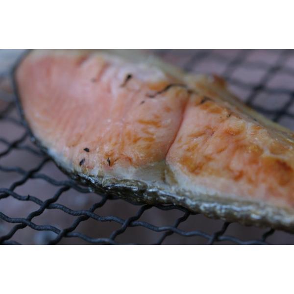 越後村上名産 塩引鮭 4切×2袋 塩引き鮭 新潟名物
