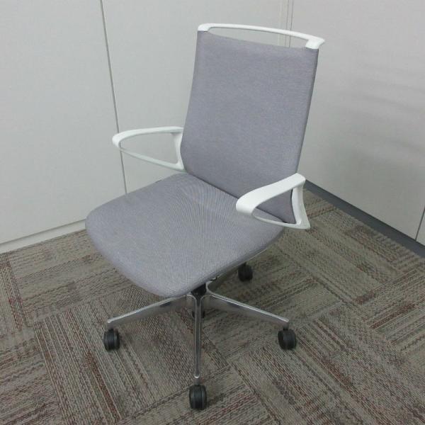 オカムラ モードチェア ミドルバック 5本脚タイプ 樹脂フレーム ホワイトボディ デザインアーム(樹脂) 背・座ミックス ライトグレー|office-kagu-tops
