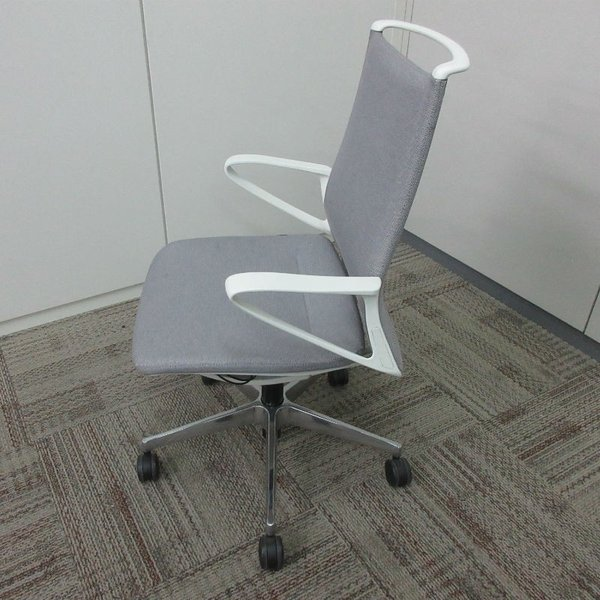 オカムラ モードチェア ミドルバック 5本脚タイプ 樹脂フレーム ホワイトボディ デザインアーム(樹脂) 背・座ミックス ライトグレー|office-kagu-tops|03