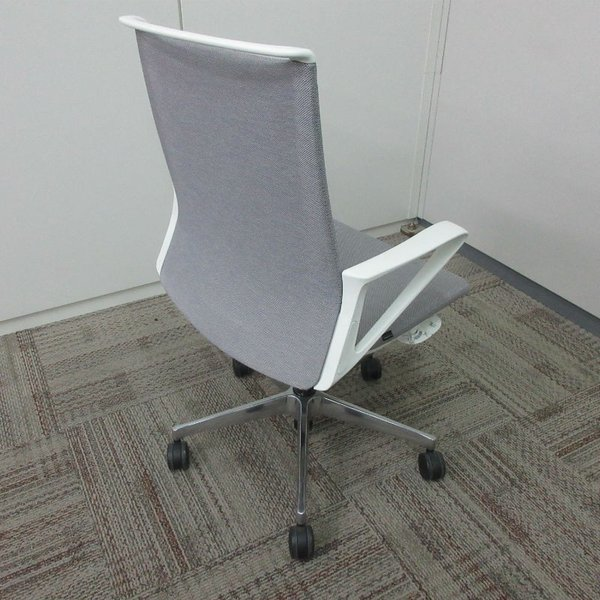 オカムラ モードチェア ミドルバック 5本脚タイプ 樹脂フレーム ホワイトボディ デザインアーム(樹脂) 背・座ミックス ライトグレー|office-kagu-tops|05