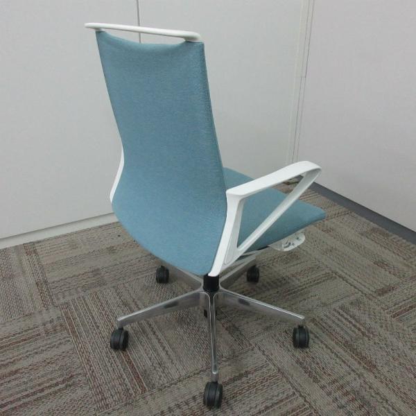 オカムラ モードチェア ミドルバック 5本脚タイプ 樹脂フレーム ホワイトボディ デザインアーム(樹脂) 背・座ミックス セージ office-kagu-tops 05