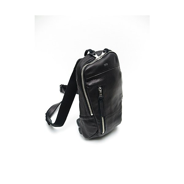 DECADE(ディケイド)-BA-Oiled Cow Leather ボディバッグ・ブラック