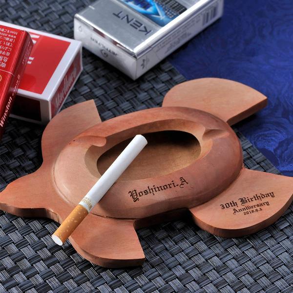 バレンタイン ギフト 彼氏 プレゼント 名入れ プレゼント 名前入り BALI 喫煙具 バリ製 手彫り 木製灰皿 ウミガメ ホヌ モチーフ