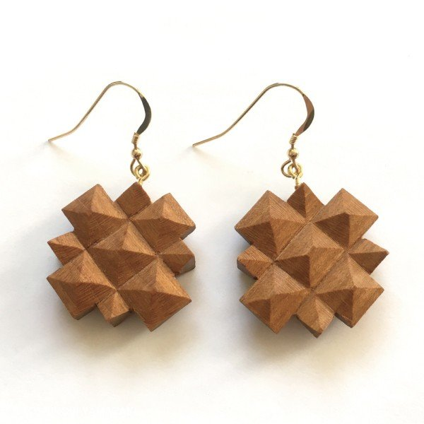 国産 木材使用 ハンドメイド ピアス・イヤリング シャクナゲ (サクラ) 木彫 アクセサリー|orite|03