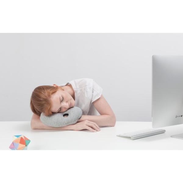 オーストリッチピロー ミニ OSTRICH PILLOW MINIトラベルピロー ネックピロー  昼寝枕 携帯用 ostrichpillow 05