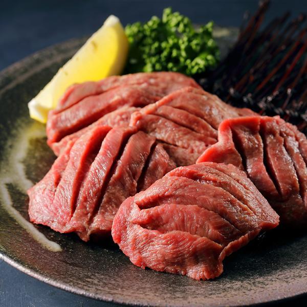 牛肉 仔牛肉 ミルクフェッド 牛タン 皮なし 約650g イタリア産 仔牛 タン ブロック 焼肉 しゃぶしゃぶ 冷凍
