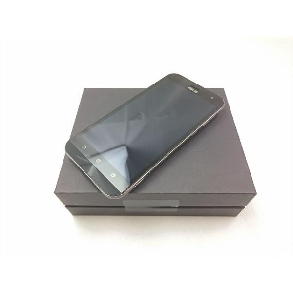 ZenFone Zoom (ZX551ML) 32GB ブラック SIMフリーの画像