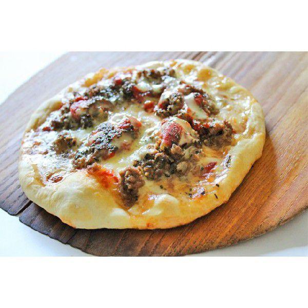 保存料不使用、無添加の手作りピザ ミートソースピザ Sサイズ(直径18cm)アレルギー対応生地に無料で変更可能。