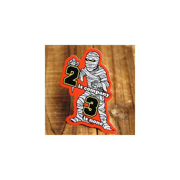 ステッカー 車 アメリカン おしゃれ バイク ヘルメット かっこいい ゾンビ ミイラ 「二人はよい連れ三人は仲間割れ」 メール便OK_SC-PS150-SXW