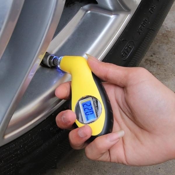 タイヤゲージ 車用 空気圧計 計測器 自動車 カー用品 デジタル 見やすい コンパクト ポケットサイズ メンテナンス イエロー