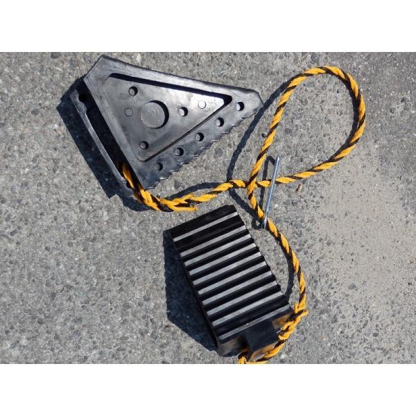 タイヤストッパーL(トラック用) ロープフック付き pro-yama 03