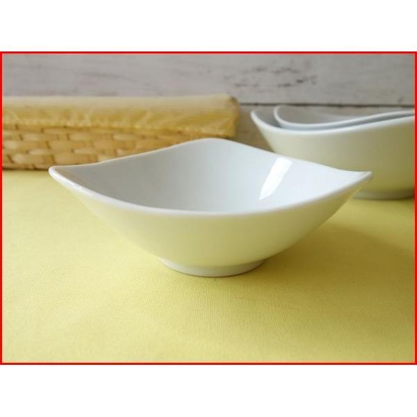 トライアングル13cm杏仁豆腐ボール/業務用食器 カフェ食器 白い食器 小鉢 おしゃれ 北欧風\