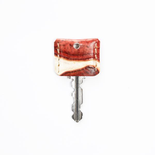 【鍵の服】キーカバー・キーキャップ イタリアンレザー アートシリーズ「ジラフレッド」 本革 防犯 クアトロガッツ