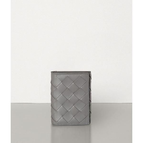 Bottega Veneta(ボッテガヴェネタ)『三つ折り財布 小銭入れつき』