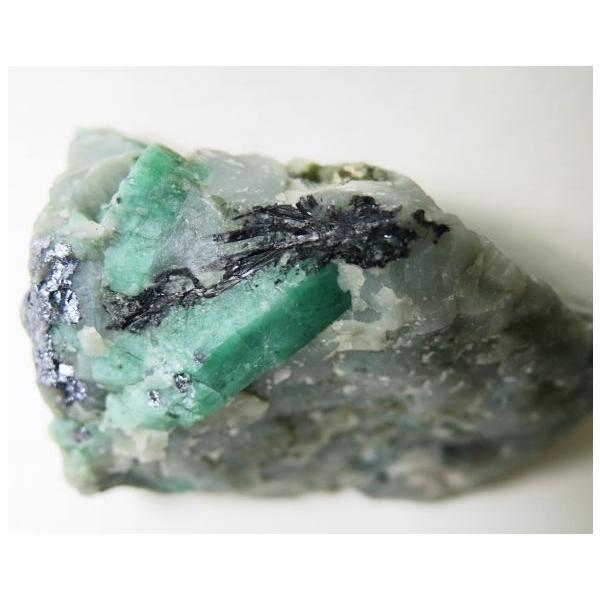 エメラルド結晶母岩付 118g 緑柱石 半透明 グリーン 送料無料 M1880