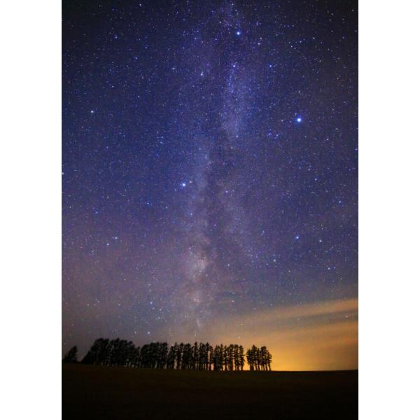 絵画風 壁紙ポスター  -地球の撮り方- まるで北欧、美瑛町の風景 マイルドセブンの丘 北海道上川郡 星空 天体 C-ZJP-058A2 (A2版 420mm×594mm)|real-inter