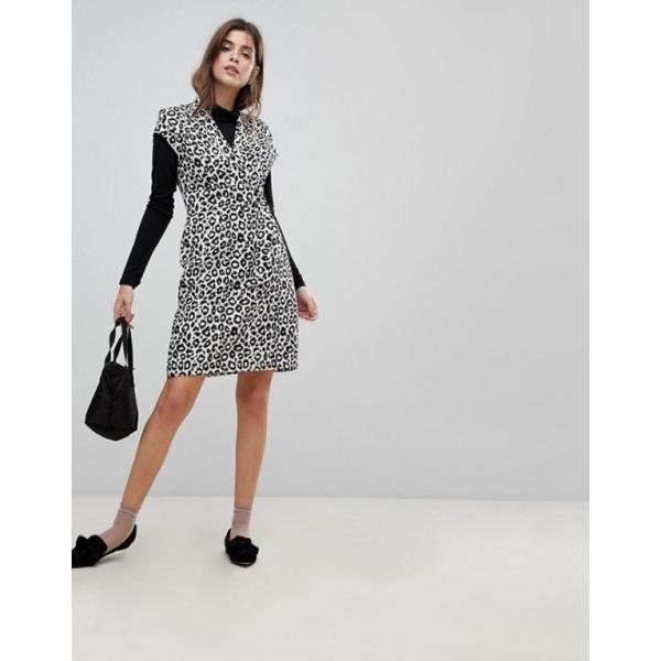 リクオリッシュ レディース ワンピース トップス Liquorish Cap Sleeve Animal Print Dress With D-Ring And Attached Belt