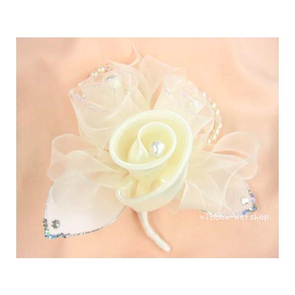 【結婚式・卒業式・入学式に】■コサージュ■白いお花(ラメ・パール)★C-484