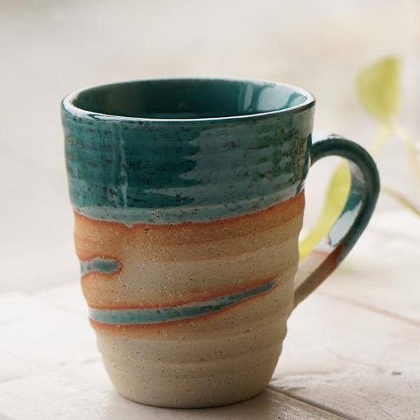 和食器 松助窯 職人の手でそーっと!くぼませたマグカップ 織部グリーンブルーウェーブ オフィス コーヒー おしゃれ 紅茶 器 皿 美濃焼 陶器 食器 手づくり