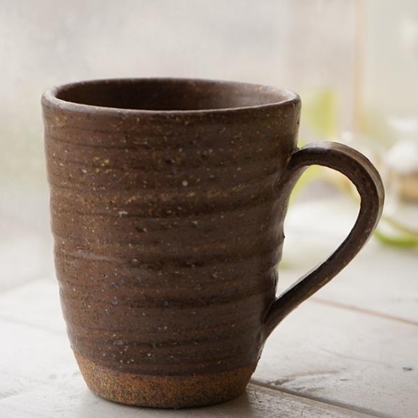 和食器 松助窯 職人の手でそーっと!くぼませたマグカップ 白雪釉 赤土 オフィス コーヒー おしゃれ 紅茶 器 皿 美濃焼 陶器 食器 手づくり