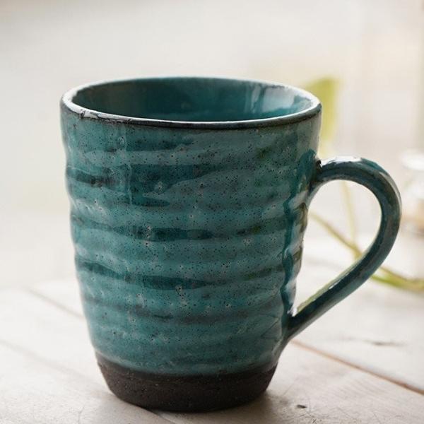 和食器 松助窯 職人の手でそーっと!くぼませたマグカップ 黒ミカゲ粉引トルコブルー オフィス コーヒー おしゃれ 紅茶 器 皿 美濃焼 陶器 食器 手づくり