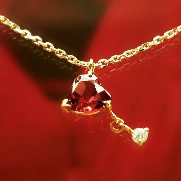 咲き誇るバラのように華やかに胸もとを彩る!プレシャス♡ネックレス