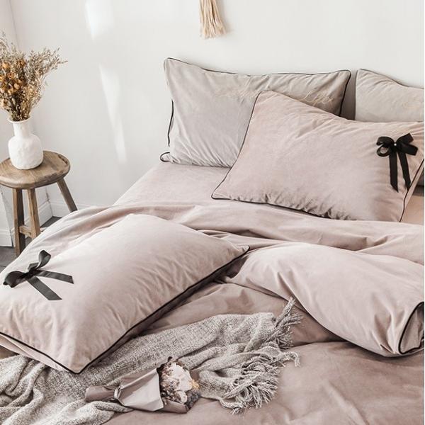 【SD/D/Q】エレガント 高級感 グログランリボン ロゴ刺繍 ベロア素材 ベッドカバー 4点セット roomfort 03