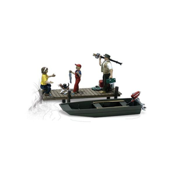 釣りをする家族 ボート付 :ウッドランド 塗装済完成品 O(1/48) A2756